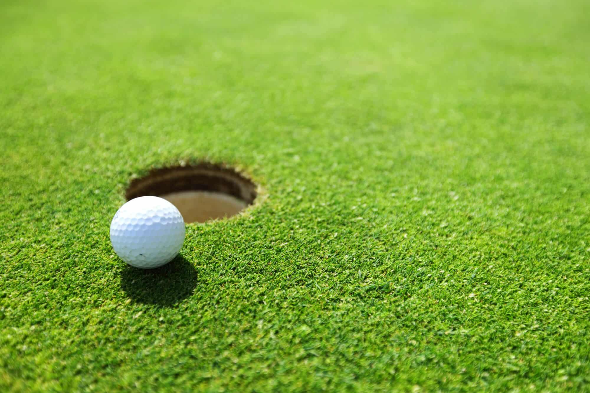 Promote special deals Golf Club Marketing